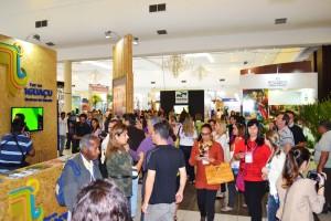 Expositores  na feira do Festival de Turismo das Cataratas