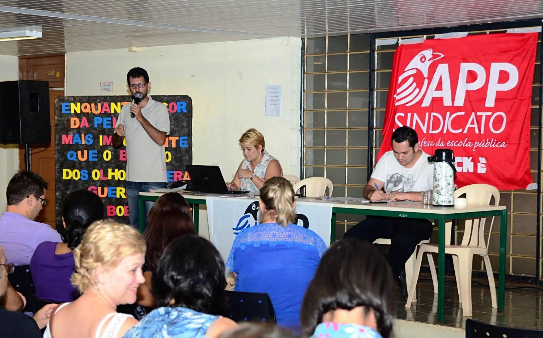 Congresso Regional debaterá as condições da educação no Paraná.