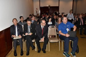 A homenagem foi realizada durante a reunião plenária do CRC-PR - foto Assessoria