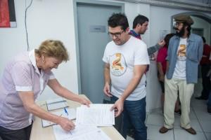 Educadores protocolaram documento em que pedem contratação de funcionários - foto Marcos Labanca