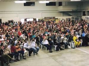 Reunidos em assembleia, educadores deflagram estado de greve - foto APP-Sinidicato