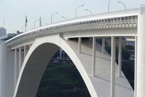 Grãos importados do Paraguai passam pela Ponte da Amizade em Foz - foto Acervo DNIT (arquivo Codefoz)